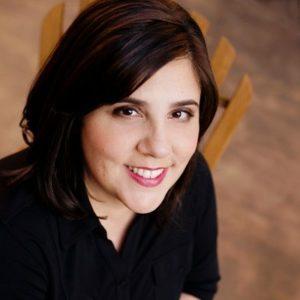 Headshot Leah Weiss