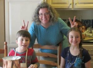 Kendal baking with her nephew and niece